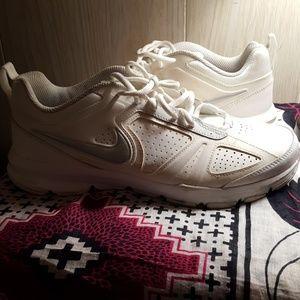 Nike TLite XL white n silver sneaker